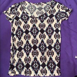 Vibrant v-neck t-shirt